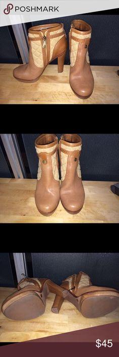 BCBG MaxAzria Tan Canvas Ankle Boots 6.5 Gorgeous tan canvas & leather ankle boots, side zip, front platform 6.5 BCBGMaxAzria Shoes Ankle Boots & Booties