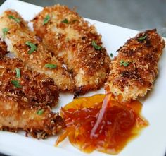 Coconut Chicken tenders with Honey Marmalade Dipping Sauce Recipe: cup of honey of marmalade Directions: In a small bowl, add honey and marmalade. Heat in the microwave for 1 minute. Stir everything until well mixed and serve with coconut chicken tenders. Yummy Recipes, Great Recipes, Cooking Recipes, Favorite Recipes, Amazing Recipes, Recipies, I Love Food, Good Food, Yummy Food