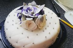 Festliche Torte mit Vanillecreme und Erdbeermousse, ein schönes Rezept aus der Kategorie Torten. Bewertungen: 66. Durchschnitt: Ø 4,4.