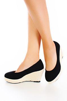Finally! Close toe espadrilles without a redic platform