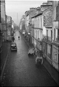"""Paris 1932 """"La rue du Château""""  by André Kertész"""