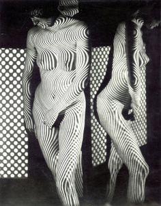 Studie IV (Šrafůra) by Jaroslav Vávra, 1964 Dani Olivier, White Art, Black And White, Estilo Glamour, Hippie Lifestyle, Retro Pop, White Photography, Woman Photography, Shadow Photography