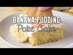 The Original Banana Pudding Poke Cake recipe from The Country Cook Banana Crumb Cake, Banana Pudding Poke Cake, Best Banana Pudding, Poke Cake Recipes, Poke Cakes, Cupcake Cakes, Dessert Recipes, Cupcakes, Easy Desserts