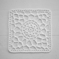 Signed With an Owl: Square Medallion 1911...free pattern...this site leads you back to The Modern Priscilla site...a treasure trove