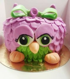 She's an adorable beauty! Sharing from (fb) pink owl cake Owl Cakes, Bird Cakes, Kid Cupcakes, Cupcake Cookies, Cute Cakes, Yummy Cakes, Beautiful Cakes, Amazing Cakes, Refreshing Desserts