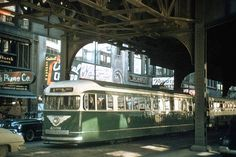 CHICAGO - STREETCAR - WABASH AND JACKSON - UNDER ELEVATED STRUCTURE - c1950