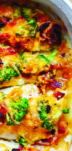 If you love chicken and bacon recipes (and who doesn't?), you will really enjoy this easy Broccoli Bacon Cheddar Chicken dinner. Just throw everything on top of chicken in casserole dish, and then bake in Broccoli Recipes, Bacon Recipes, Easy Chicken Recipes, Cooking Recipes, Cooking Ideas, Keto Recipes, Baked Chicken Tenders, Baked Chicken Breast, Chicken Breasts