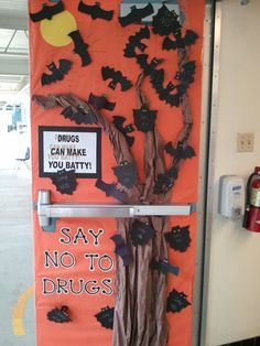 Enter your best Red Ribbon Week… Halloween Door Decorations, Theme Halloween, Fall Halloween, Halloween Crafts, Classroom Crafts, Classroom Themes, School Projects, Projects To Try, School Ideas
