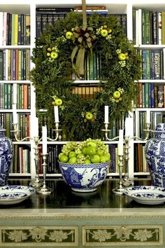blueandwhite-christmas-carolyne-roehm - she always gets it just right. Love the blue and white Chinoiserie and yellow-green