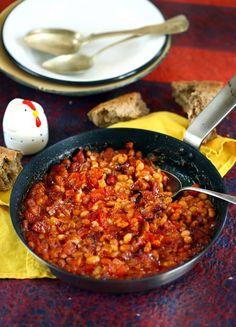 Kolbászos babos tunkolós tál | Street Kitchen Grubs, Food 52, One Pot Meals, Fruits And Vegetables, Chana Masala, Vegetable Recipes, Stew, Curry, Food And Drink