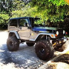Dream car is the jeep!!!    •||||||•