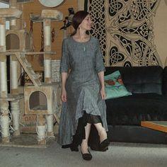 Gray linen dress for women summer dress prom dress party Blue Skirt Outfits, Red Skirts, Wool Skirts, Long Wool Skirt, Long Wool Coat, Linen Skirt, Linen Dresses, Pleated Skirt, Linen Pants Women