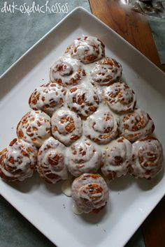 cinnamon roll Christmas tree ... a simple Christmas breakfast