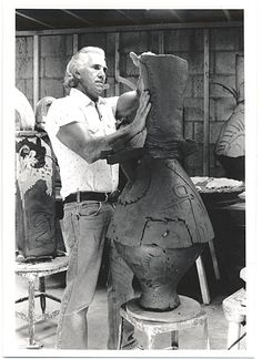 Citation: Don Reitz in studio, 1988 or 1989 / Donald Reitz, photographer. Dorothy Weiss Gallery records, Archives of American Art, Smithsonian Institution.