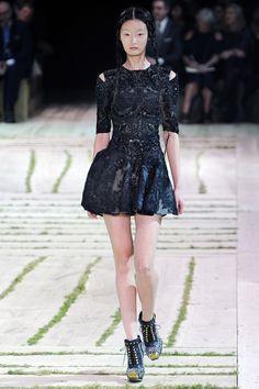 Alexander McQueen Spring 2011 | MFD – Multiple Fashion Disorder