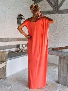 Coral Maxi Dress / Coral Kaftan / Asymmetric por SynthiaCouture