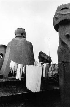 Isabel Steva i Hernández, La Pedrera (Casa Milà), Barcelona, 1982 Black White Photos, Black And White, La Pedrera, Antoni Gaudi, Magnum Opus, Curious Cat, Nyc, Monochrome, Old Things