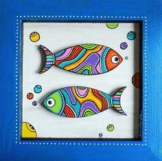 Tableau en bois peint à la main à l'acrylique et verni de deux petits poissons très colorés en médium découpé. dimensions : 20 cm x 20 cm Modèle unique et - 9211203