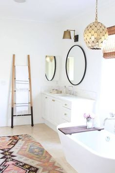 Bathroom Style / Fun Rug / Towel Ladder / Modern Boho Decor home style 211809988711307619 Bathroom Sconces, Bathroom Interior, Modern Bathroom, Master Bathroom, Bathroom Ladder, Bohemian Bathroom, Bathroom Wall, White Bathrooms, Neutral Bathroom
