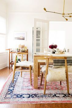 Tour+a+Photographer's+Insanely+Chic+Home+in+Los+Angeles+via+@MyDomaine