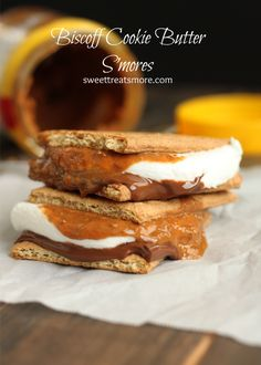 Biscoff Cookie Butter S'mores from Sweet Treats and Speculoos Cookie Butter, Biscoff Cookies, Butter Cookies Recipe, Galletas Cookies, Yummy Cookies, Just Desserts, Delicious Desserts, Dessert Recipes, Yummy Food
