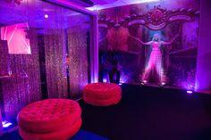 Festa tema Tomorrowland: decoração cor de rosa - Foto: Luiz Claudio Fotografia