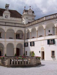 Innenhof Schloss Herberstein 1