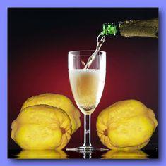 Manche halten die Zubereitung von Quitten für recht beschwerlich. Die sind so hart, lassen sich nur schwer schneiden und fusseln auch Alcoholic Drinks, Cocktails, Fermented Foods, White Wine, Pickles, Food And Drink, Gourmet, Recipes, Syrup