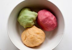 Homemade play dough / UKKONOOA
