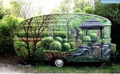 An amazing paint job on this vintage camper. Vintage Campers, Camping Vintage, Retro Campers, Vintage Caravans, Vintage Travel Trailers, Vintage Motorhome, Cool Campers, Rv Campers, Camper Trailers