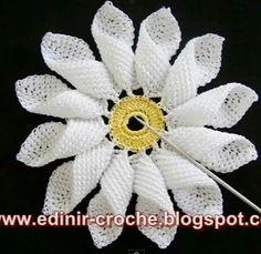 lo vi, me gustó, lo comparto: margarita en crochet Chevron Crochet Patterns, Crochet Baby Dress Pattern, Crochet Flower Tutorial, Crochet Quilt, Crochet Stitches Patterns, Freeform Crochet, Thread Crochet, Crochet Motif, Irish Crochet