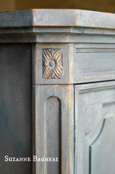 Painted Vintage Detail in Annie Sloan Chalk Paint by Suzanne Bagheri at The Painted Drawer Annie Sloan Chalk Paint Colors, Black Chalk Paint, Annie Sloan Paints, Chalk Painting, Chalk Paint Wardrobe, Painted Wardrobe, Painted Armoire, Painted Drawers, Chalk Paint Projects