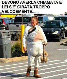 Weird People At Walmart, Walmart Funny, Crazy Funny Pictures, Life Quotes Pictures, Fat People Memes, Funny People, Walmart Lustig, Harley Quinn Halloween, Seriously Funny