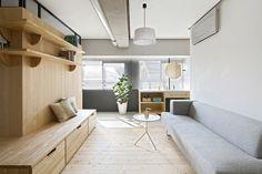Un apartamento japonés El piso incorporó una engawa (una pasarela que se conecta con ventanas y puertas corredizas, un elemento tradicional de la arquitectura nipona).