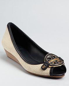 81b685980975 Pin by Akanksha Singh (Sharma) on Shoes