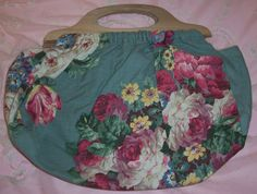 VINTAGE Barkcloth Era Pink ROSES knitting/sewing bag.