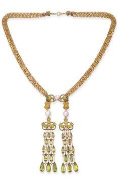 Sautoir René Lalique, 1895 Christie's Bijoux Art Nouveau, Art Nouveau Jewelry, Jewelry Art, Vintage Jewelry, Fine Jewelry, Jewelry Design, Vintage Brooches, Lalique Jewelry, Pearl Diamond