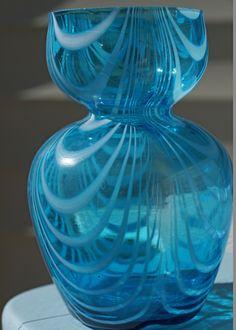 Vintage Aqua Blue Art Deco Vase. $12.00, via Etsy. Teal Green Color, Aqua Blue, Blue Art, Colored Glass Vases, Blue Glass Vase, Glass Art, Blue Pictures, Sand Collection, Decorative Glass