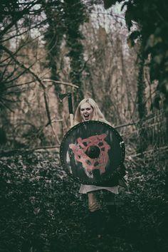"Norse/German/ Mythology Projekt ""The Shieldmaiden"" Ⓜ️  > Silivren  > ""the fine Art of catching Light"" by Pit Theiss Special Thanks to Burgschneider #thefineartofcatchinglight #pittheissphotography #photopoetry #storytelling #fineartphotography #portraitphotography #medieval #germanmythology #mythology #fantasy #vikingstyle #nordic #asatru #history #vikinglife #vikings #norce #norcemythology #shieldmaiden #pagan #veturinnnálgast #burgschneider  #burghanstein"
