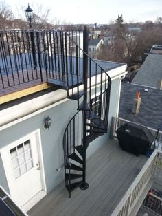 Telegraph Hill Roof Deck with wrought iron railings, spiral stairs, composite bar-tops, custom lighting & composite decking Spiral Staircase Outdoor, Narrow Staircase, Outdoor Stairs, Deck Stairs, Staircase Design, Rooftop Terrace Design, Rooftop Patio, External Staircase, Casa Patio