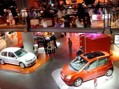 L'atelier Renault_Redefining the automotive showroom