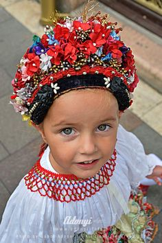 Folklore, Hungarian Embroidery, Folk Dance, Folk Costume, My Heritage, People Of The World, Crochet Dolls, European Fashion, Dance Costumes