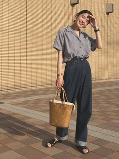 How often do you run across something fabulous, that influences your style? Then, shop the pieces our editors are praising right now. Korean Outfits, Mode Outfits, Casual Outfits, Fashion Outfits, Fashion Trends, Fashion Tips, Next Fashion, Japan Fashion, Look Fashion