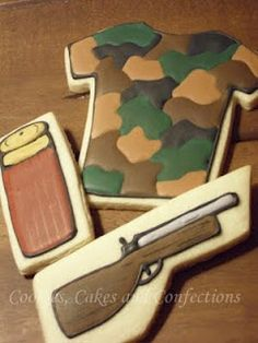 hunting cookies for my boys! Deer Hunting Birthday, Hunting Party, Hunting Camo, Sugar Cookie Icing, Cookie Frosting, Sugar Cookies, Fish Cookies, Cupcake Cookies, Camo Cookies
