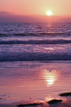sunset heart oceans beach - Explore the World with Travel Nerd Nici, one Country at a Time… Sunset Love, Beautiful Sunset, Beautiful Beaches, Beautiful World, Sunset Beach, Beach Sunsets, Purple Sunset, Sunset Pics, Heart In Nature