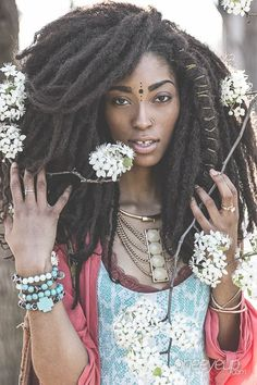 71 Unique Afro Hairstyle Inspiration for Women - Fashionetter Afro Punk, Afro Hairstyles, Wedding Hairstyles, Hair Afro, Style Afro, Curly Hair Styles, Natural Hair Styles, Pelo Afro, Pelo Natural