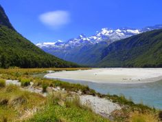 Lunch along the banks of the Dart River in Mount Aspiring National Park, New Zealand