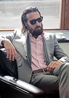 Fashion Photography Model Christian Göran Grey suit, striped shirt, no tie, and a beard. Sharp Dressed Man, Well Dressed, Christian Göran, Barba Sexy, Fashion Moda, Mens Fashion, Guy Fashion, Fashion Shirts, Style Fashion