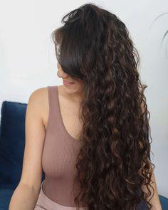Toutes les astuces pour les cheveux fins et plats. Quelles poudres choisir ? Comment faire ses soins ? À quelle fréquence ? Quelles coiffures faut-il éviter ? Mi Long, Long Hair Styles, Diy, Thicken Hair, Straight Hair Dos, Hair Loss, Hair Type, Bricolage, Long Hairstyle