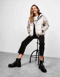 Puffy silver jacket with slogan zip - Padded Coats - Bershka Spain